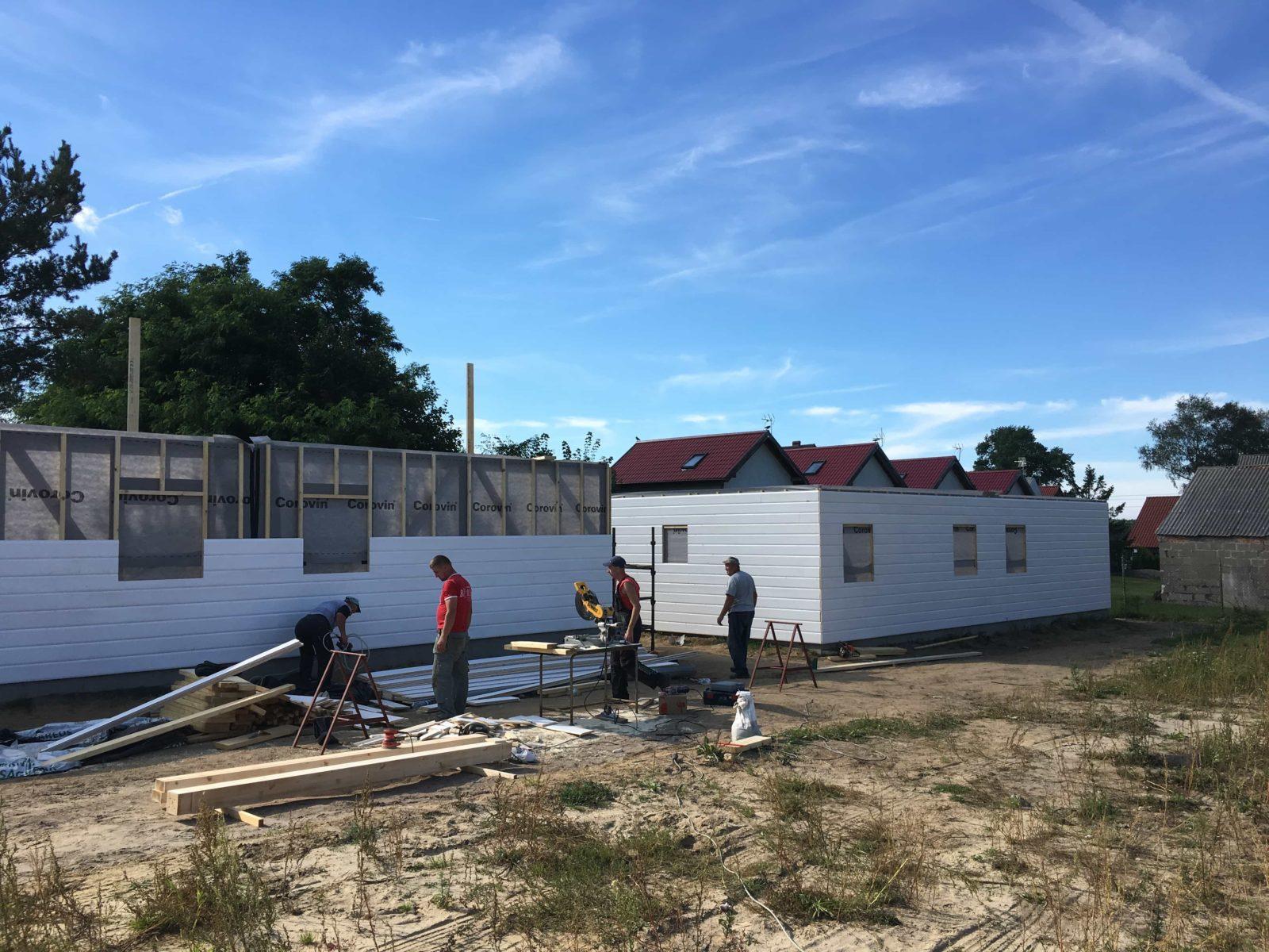 nowe cztery domki w Pstrowie w Balfalai