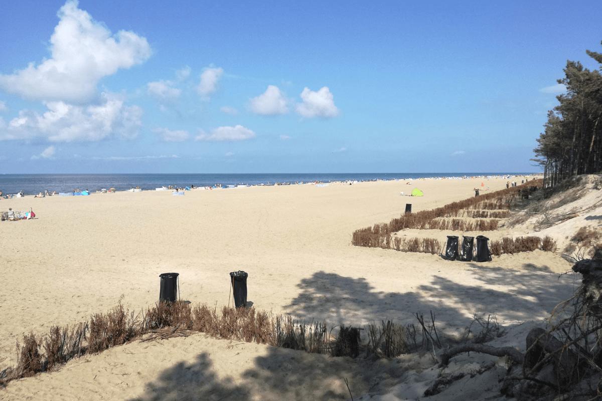 szeroka plaża nad bałtykiem
